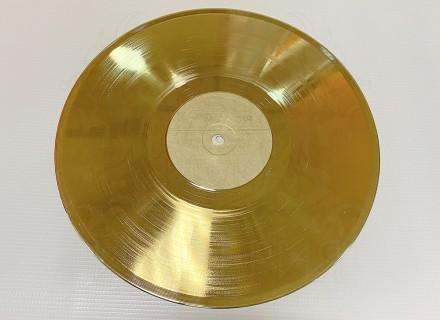 Виниловые пластинки (золото)